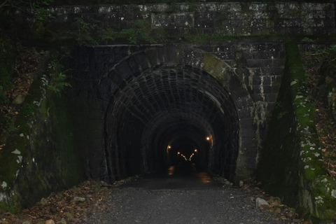 伊豆 トンネル